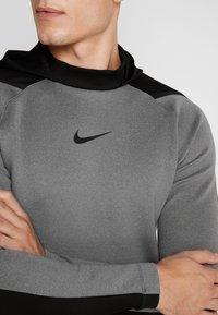 Nike Performance - Jersey con capucha - charcoal heather/black - 4