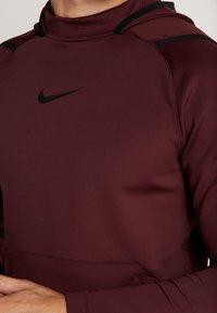 Nike Performance - Jersey con capucha - night maroon - 3
