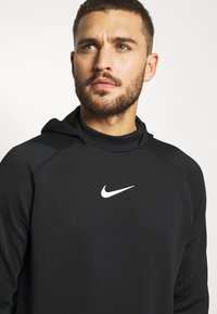 Nike Performance - Kapuzenpullover - black/black/white - 3