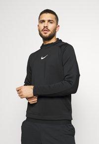 Nike Performance - Kapuzenpullover - black/black/white - 0