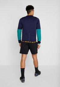 Nike Performance - CREW  - Sweatshirt - blackened blue/bright violet - 2