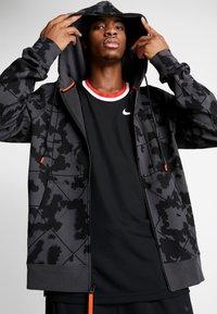 Nike Performance - LEBRON JAMES FULL ZIP HOODIE - veste en sweat zippée - anthracite/team orange - 3