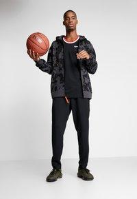 Nike Performance - LEBRON JAMES FULL ZIP HOODIE - veste en sweat zippée - anthracite/team orange - 1