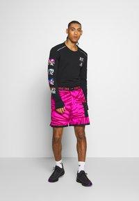Nike Performance - CREW - Fleece jumper - black - 1