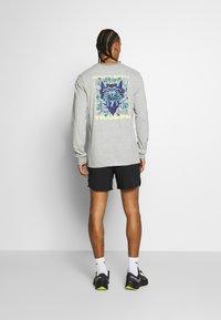 Nike Performance - DRY TEE HOOK - Bluzka z długim rękawem - dark grey heather - 2