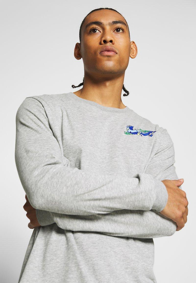 Nike Performance DRY TEE HOOK - Topper langermet - dark grey heather