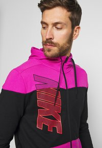 Nike Performance - DRY HOODIE - Collegetakki - fire pink/black - 3