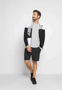 Nike Performance - DRY HOODIE - veste en sweat zippée - black/white - 1