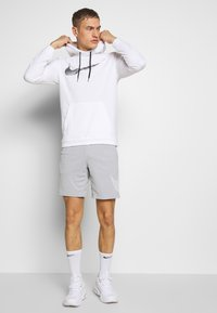 Nike Performance - Huppari - white - 1