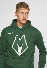 Nike Performance - NBA MILWAUKEE BUCKS CITY EDITION LOGO - Huppari - fir - 3