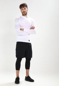 Nike Performance - PRO COMPRESSION MOCK - Funkční triko - white/black - 1