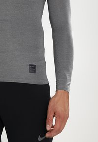 Nike Performance - PRO COMPRESSION - Maglietta intima - carbon heather/black/(black) - 5