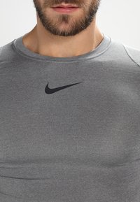 Nike Performance - PRO COMPRESSION - Maglietta intima - carbon heather/black/(black) - 3