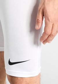 Nike Performance - PRO SHORT - Panties - white/pure platinum/black - 3