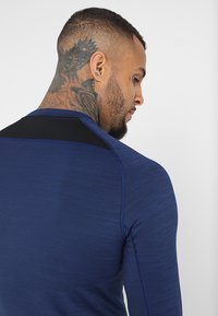 Nike Performance - T-shirt sportiva - blue void/black - 5