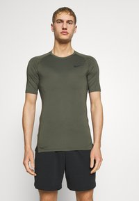 Nike Performance - TIGHT - Camiseta básica - cargo khaki/black - 0