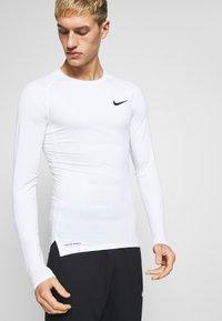 Nike Performance - TIGHT - Funktionsshirt - white/black - 0