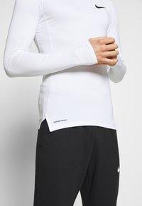 Nike Performance - TIGHT - Funktionsshirt - white/black - 5