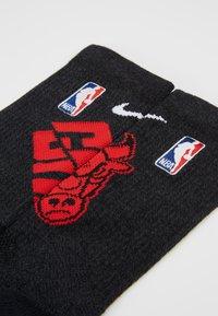 Nike Performance - NBA CHICAGO BULLS ELITE - Skarpety sportowe - black/university red/white - 2