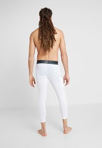 Nike Performance - DRY  - Kalesony - white/black - 2