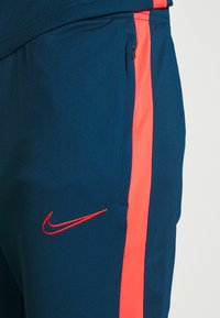 Nike Performance - DRY ACADEMY SUIT - Survêtement - valerian blue/laser crimson - 7