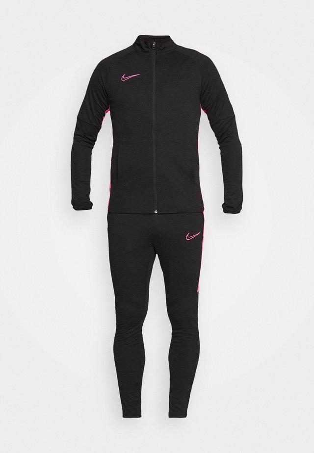 DRY ACADEMY SUIT - Survêtement - black/hyper pink