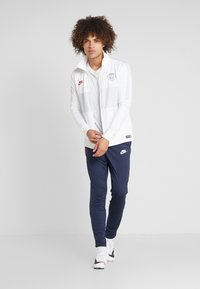 Nike Performance - PARIS ST GERMAIN DRY SUIT - Klubové oblečení - white/midnight navy/pure platinum/university red - 1