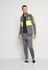 Nike Performance - INTER MAILAND DRY SUIT SET - Article de supporter - dark grey/tour yellow - 1