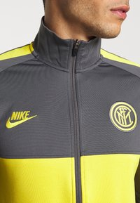 Nike Performance - INTER MAILAND DRY SUIT SET - Article de supporter - dark grey/tour yellow - 7