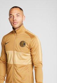 Nike Performance - INTER MAILAND DRY SUIT SET - Klubbkläder - muted bronze/black/truly gold - 3