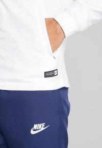 Nike Performance - PARIS ST GERMAIN DRY SUIT SET - Verryttelypuku - white/midnight navy/pure platinum/university red - 6