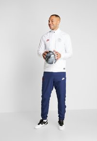 Nike Performance - PARIS ST GERMAIN DRY SUIT SET - Dres - white/midnight navy/pure platinum/university red - 1