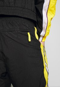 Nike Performance - NBA LOS ANGELES LAKERS CITY EDITION - Tuta - black/amarillo/white - 7