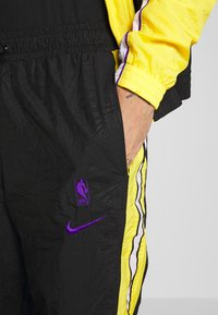 Nike Performance - NBA LOS ANGELES LAKERS CITY EDITION - Tuta - black/amarillo/white - 11