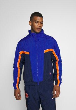 NBA NEW YORK KNICKS CITY EDITION  - Pelipaita - college navy/rush blue/brilliant orange