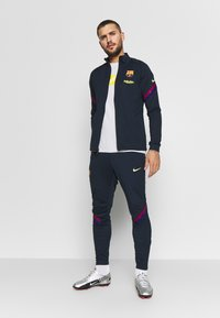 Nike Performance - FC BARCELONA DRY SUIT SET - Article de supporter - dark obsidian/deep royal blue - 1