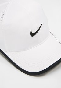 Nike Performance - FEATHERLIGHT - Keps - white/black - 4