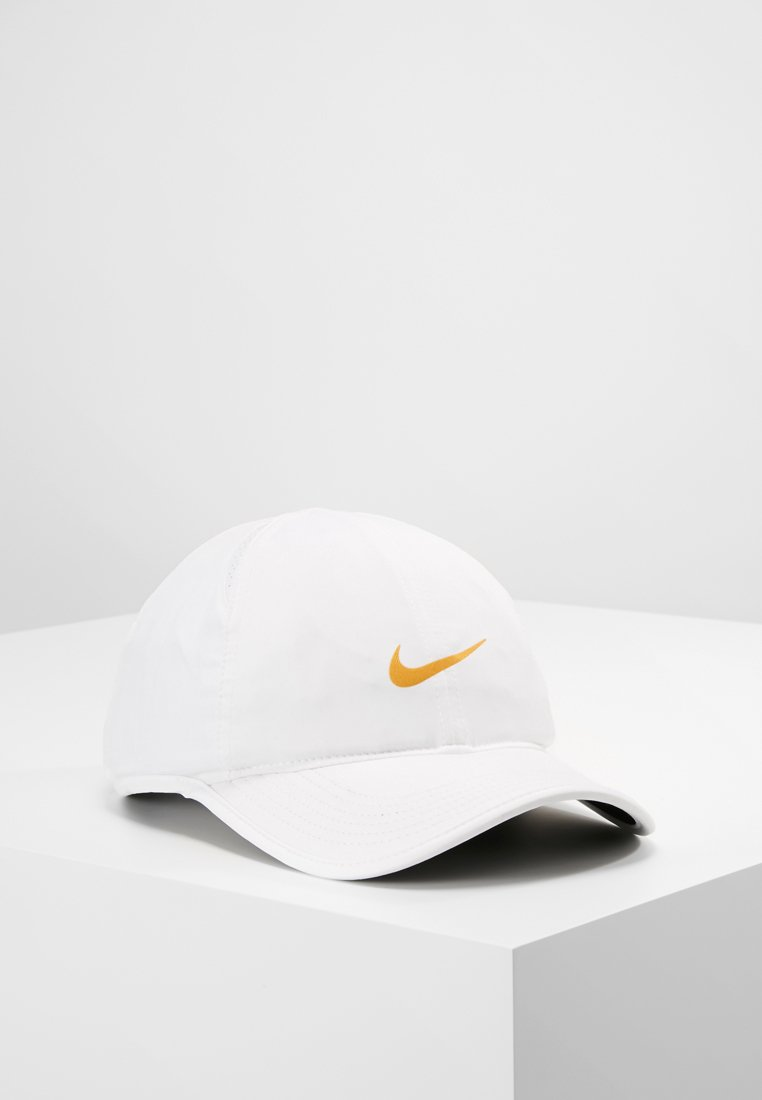 Nike Performance - FEATHERLIGHT - Kšiltovka - white/gold leaf