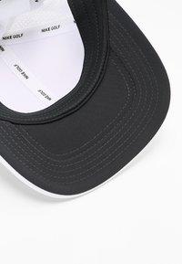 Nike Golf - AROBILL CLC99 PERFORMANCE - Keps - white/anthracite/black - 5