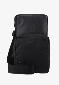 Nike Performance - KYRIE IRVING FESTIVAL BAG - Taška s příčným popruhem - black/dark smoke grey - 5