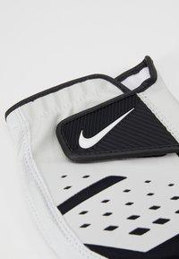 Nike Performance - TECH EXTREME GOLF GLOVE - Rukavice - pearl white - 3