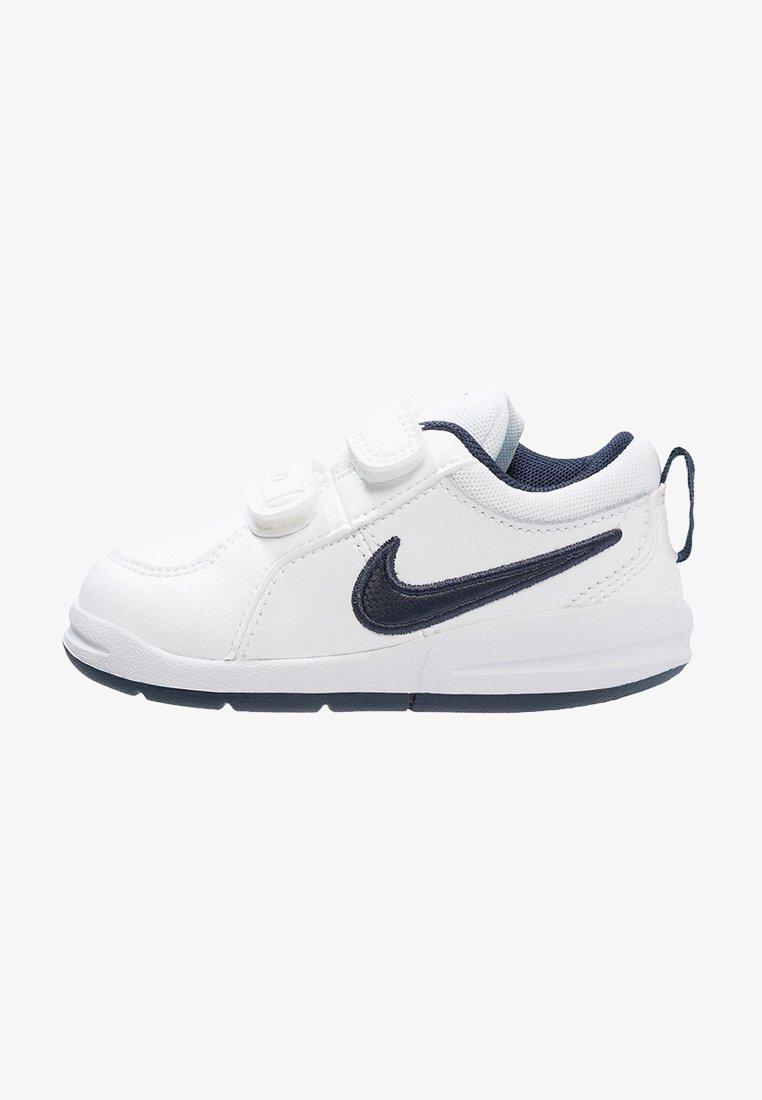 Nike Performance - PICO 4 - Sportovní boty - weiß/dunkelblau