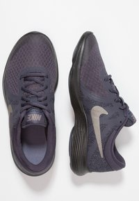 Nike Performance - REVOLUTION 4 - Neutrala löparskor - gridiron/metallic pewter/light carbon/black - 0