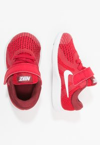 Nike Performance - REVOLUTION 4 - Zapatillas de running neutras - gym red/white/team red/black - 0