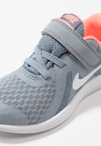 Nike Performance - REVOLUTION 4 - Neutral running shoes - obsidian mist/white/lava glow/armory blue - 2