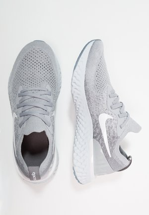 EPIC REACT FLYKNIT - Chaussures de running neutres - wolf grey/white