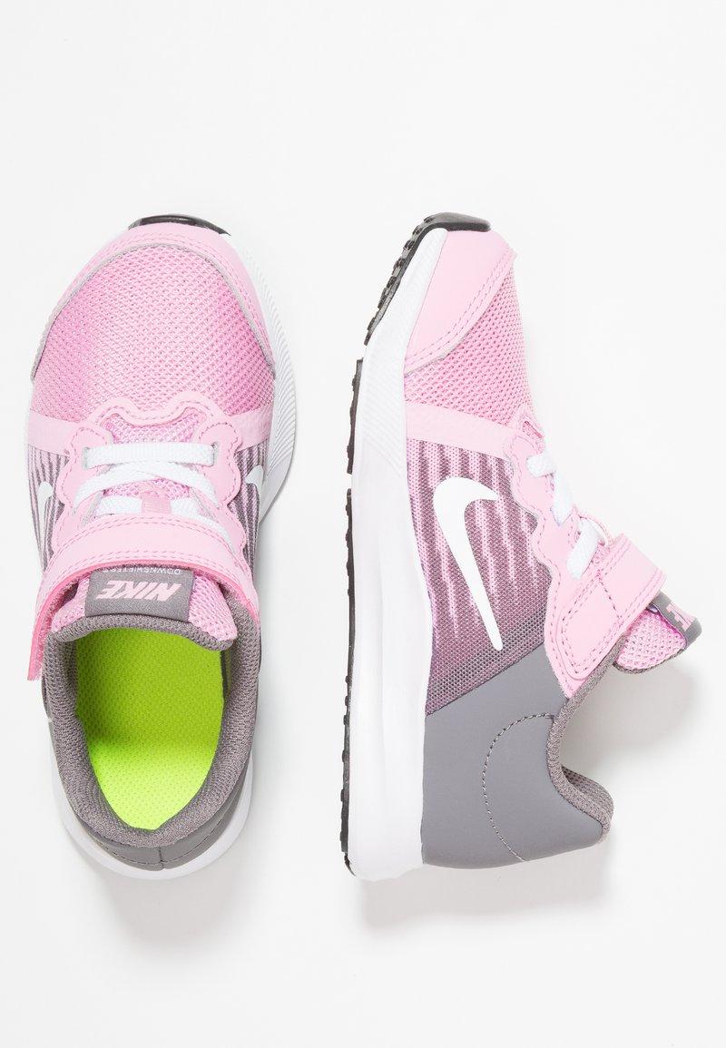 Nike Performance - DOWNSHIFTER 8 - Neutrale løbesko - pink rise/white/gunsmoke/black