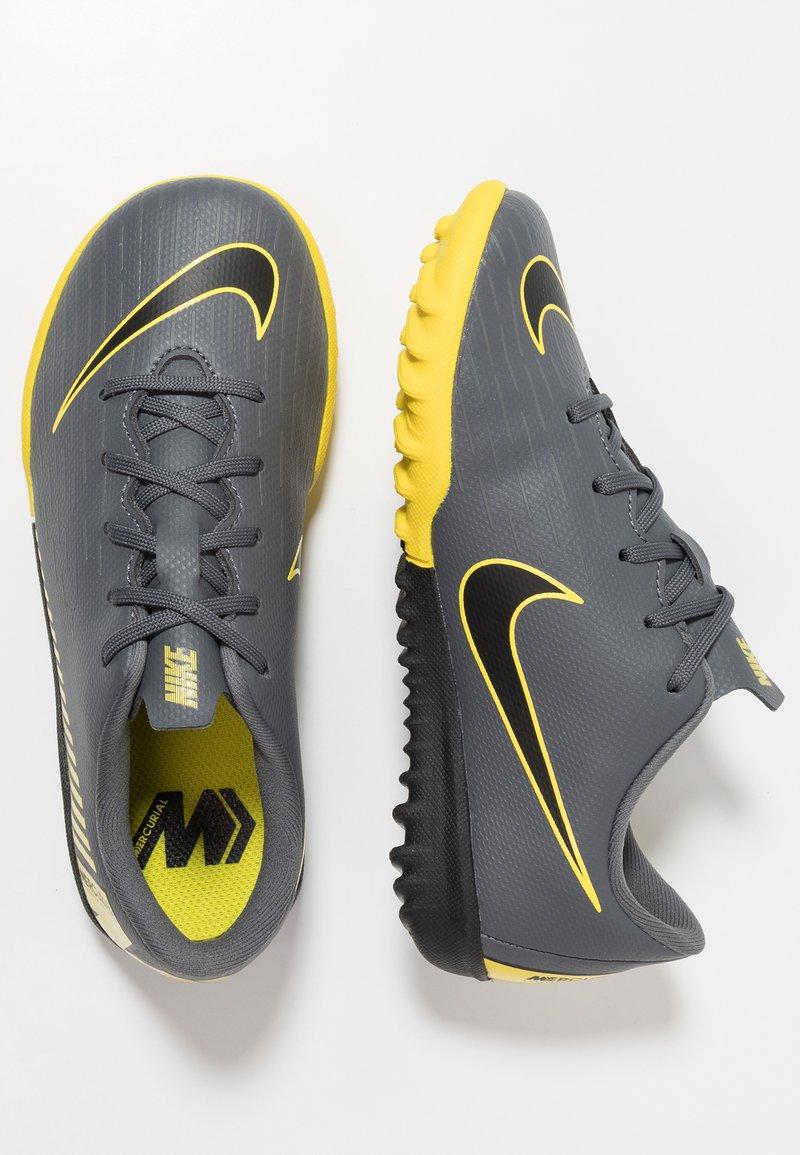 Nike Performance - MERCURIAL VAPORX 12 ACADEMY TF - Chaussures de foot multicrampons - dark grey/black/opti yellow