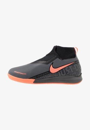 PHANTOM OBRAX 3 ACADEMY DF IC - Indoor football boots - dark grey/bright mango/black