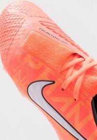 Nike Performance - PHANTOM ELITE FG - Voetbalschoenen met kunststof noppen - bright mango/white/orange/anthracite - 2